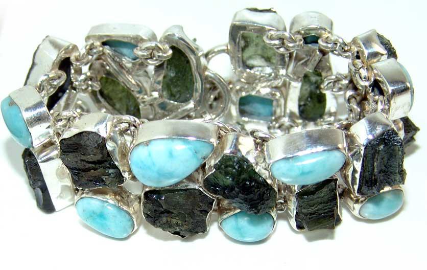 Kristali - drago i poludrago kamenje - Page 3 Moldavite%20larimar